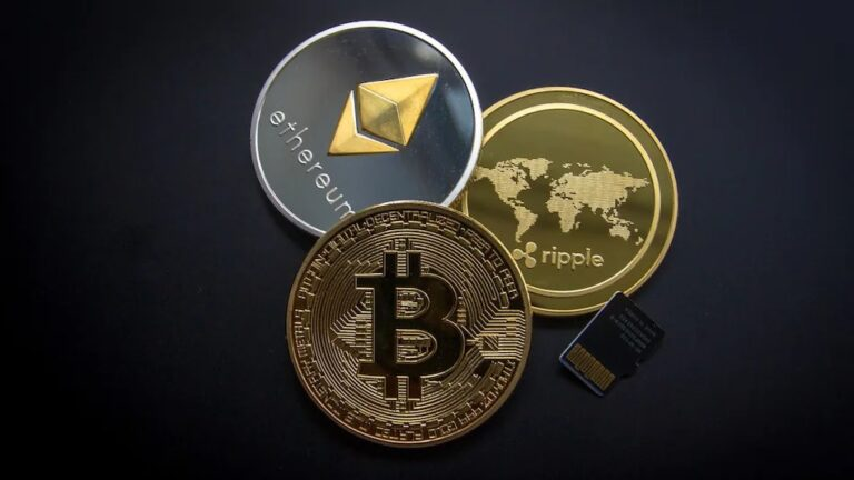 Bitcoin History : Everything Which You Need to Know about Bitcoin | How and When was Bitcoin Created | Bitcoin's in Middle Years | Bitcoin Now-a-Days | What are Private and Public keys | What is a Cryptocurrency Wallet | What are Hot and Cold Wallets | Store at the Exchange | How to Set up a Digital Wallet | 2YODOINDIA